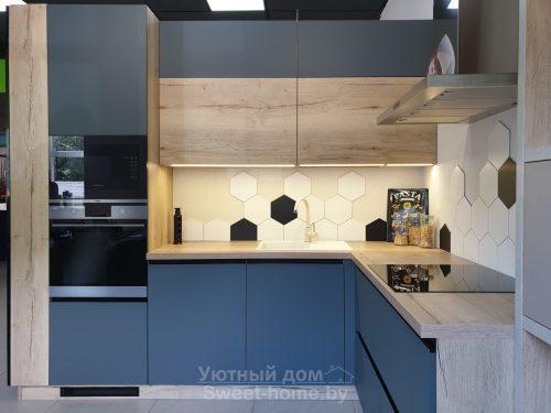 Кухня Модерн из Fenix и ДСП Egger